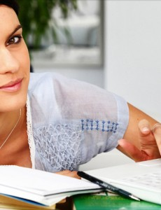 Girl-Studying-Focused-Feature_1290x688_KL-940x501